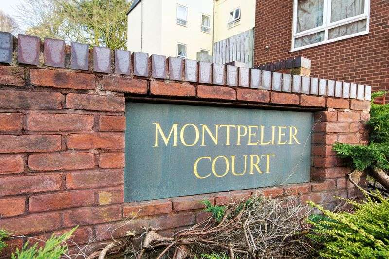 1 Bedroom Flat for sale in Montpelier Court, Exeter