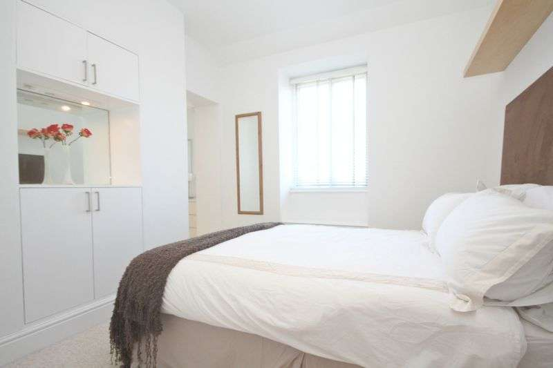1 Bedroom Flat for sale in Greycoat Gardens, London