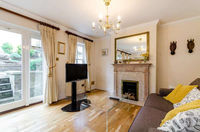 3 Bedrooms Mews House for sale in Angel Mews, Putney Heath, SW15
