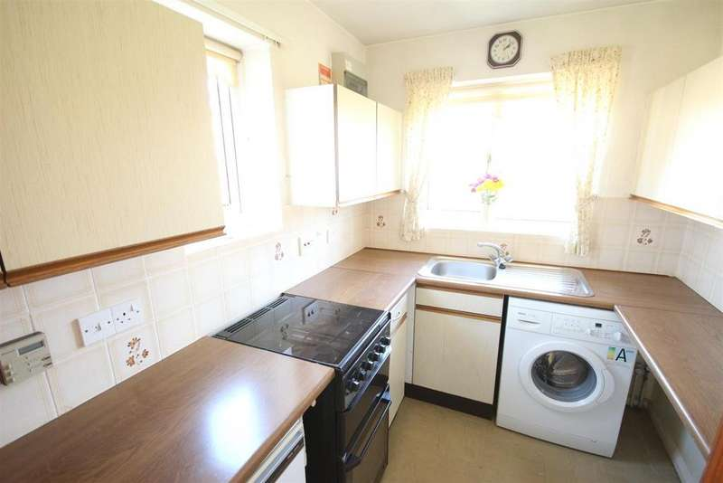 2 Bedrooms Semi Detached Bungalow for sale in Glastonbury Road, Alvaston, Derby