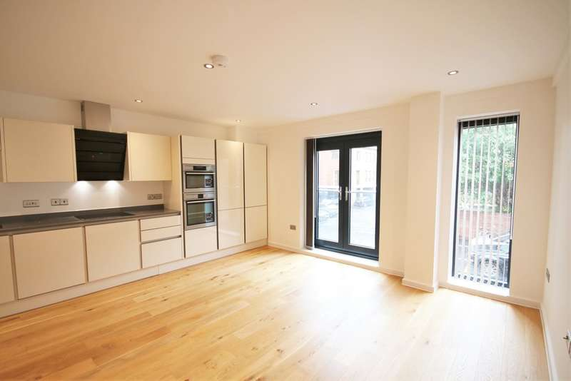 2 Bedrooms Apartment Flat for sale in Stour Street, Canterbury