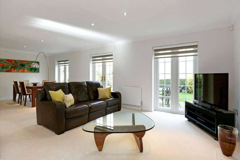 4 Bedrooms Detached House for sale in Torwood Close, Berkhamsted, Hertfordshire, HP4