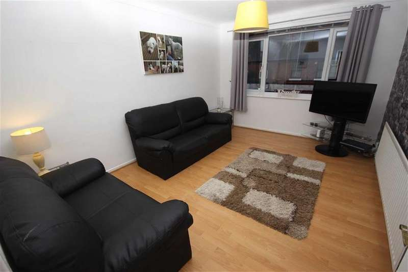 2 Bedrooms Flat for sale in Chapel Court, Sale