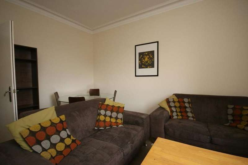 4 Bedrooms Flat for rent in South Oxford Street, Edinburgh