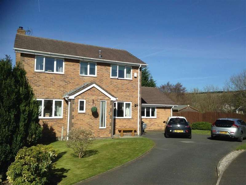 4 Bedrooms Detached House for sale in Rushmere, Glossop, Derbyshire, SK13