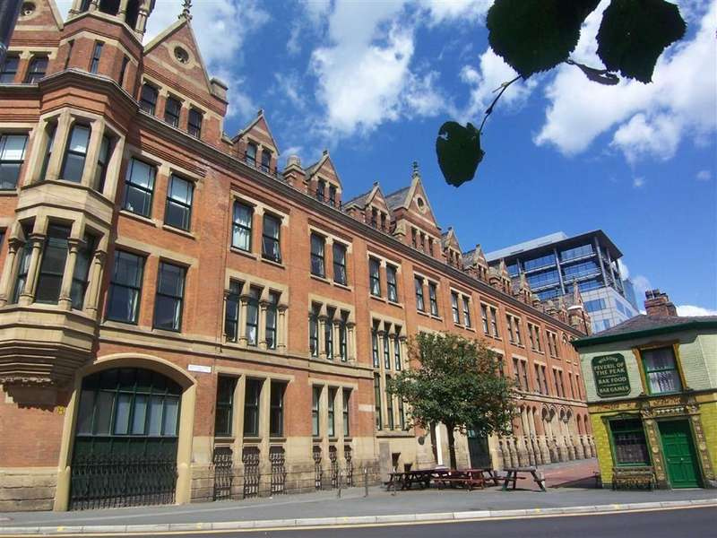 2 Bedrooms Apartment Flat for rent in Chepstow House, Southern Gateway, Manchester, M1