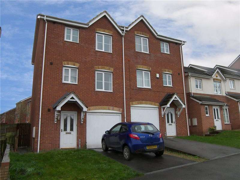 3 Bedrooms Semi Detached House for sale in Manderston Chase, Armley, Leeds, West Yorkshire