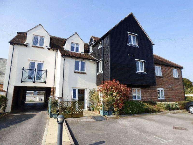 2 Bedrooms Ground Flat for sale in ASHTEAD