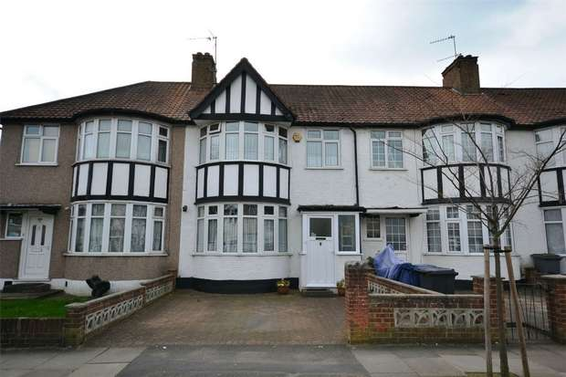 3 Bedrooms Terraced House for sale in Sudbury Heights Avenue, Greenford, Middlesex