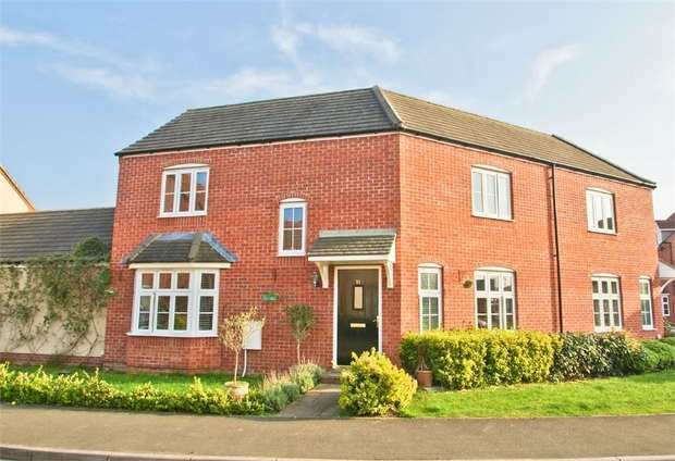 3 Bedrooms Semi Detached House for sale in GLASTONBURY, Somerset, UK