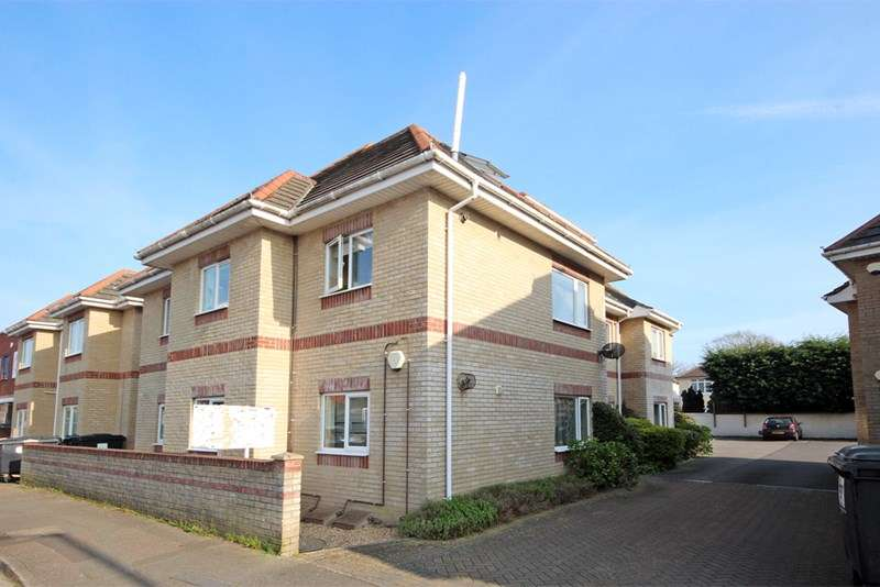 2 Bedrooms Flat for sale in Woodside Road, Southbourne, Bournemouth