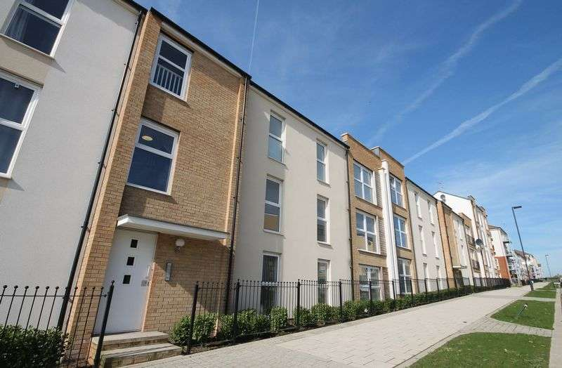 2 Bedrooms Flat for sale in Tall Elms Road, Patchway