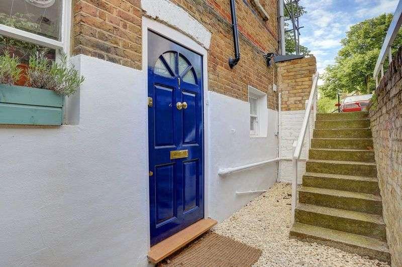 1 Bedroom Flat for sale in Waldegrave Park, Twickenham TW1