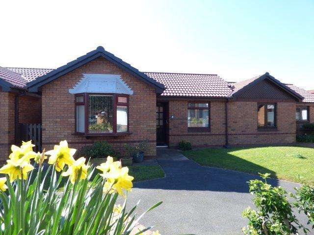 2 Bedrooms Terraced House for sale in Monkswood Avenue, Bare, LA4 6TW