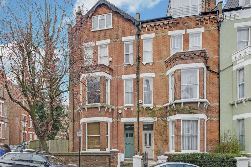 1 Bedroom Flat for sale in Willoughby Road, Hampstead Village