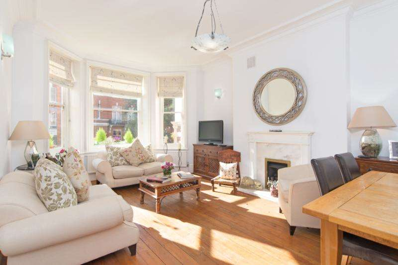 3 Bedrooms Flat for sale in Cannon Hill, West Hampstead
