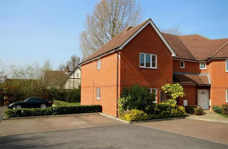 2 Bedrooms Flat for sale in Elliott Court, Binfield, Berkshire