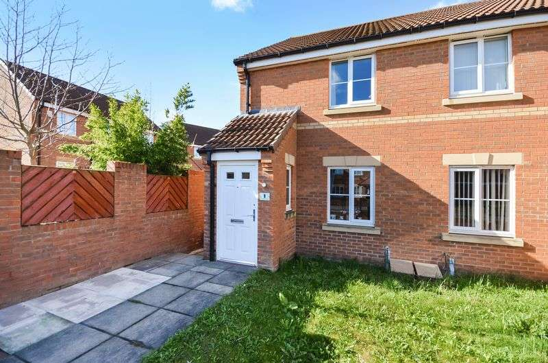 2 Bedrooms Semi Detached House for sale in 1 Lavender Mews, Castleford, WF10 5FN