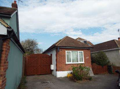 2 Bedrooms Bungalow for sale in Rayleigh, Essex, Uk