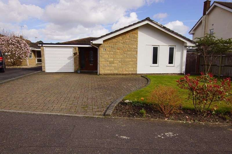 3 Bedrooms Detached Bungalow for sale in South Western Crescent, Whitecliff, Poole