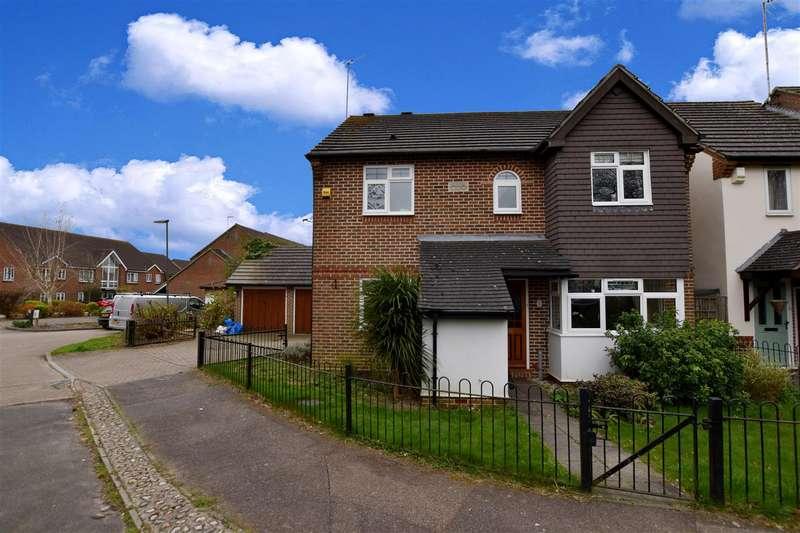 4 Bedrooms Property for sale in Douglas Court, Caterham