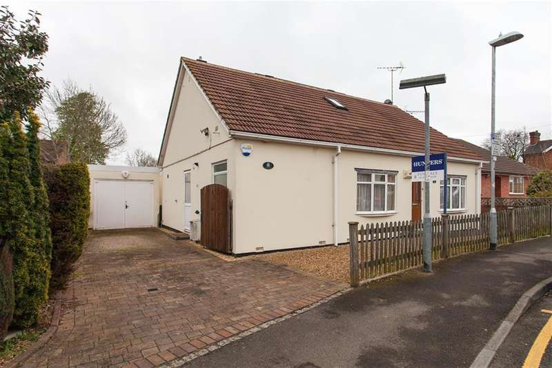 4 Bedrooms Chalet House for sale in Goodchild Road, Wokingham, Berkshire, RG40 2EN