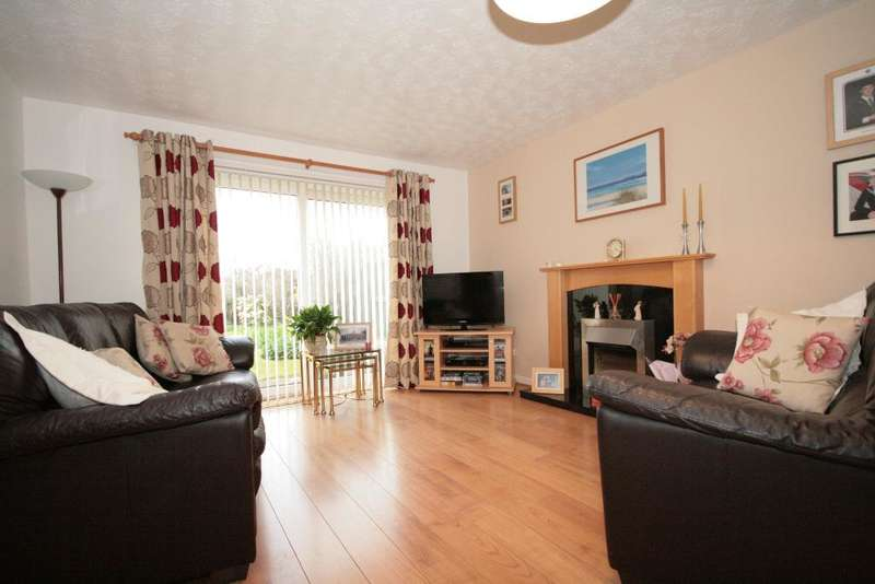 3 Bedrooms Semi Detached House for sale in Cornwall Way, Southport, PR8 3SQ