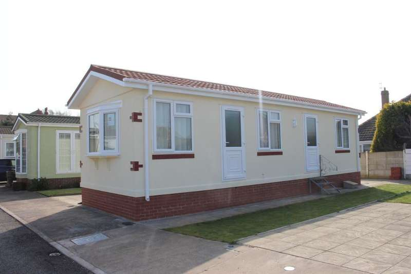 1 Bedroom Park Home Mobile Home for sale in Pine Crescent, Newholme Residential Park, Blackpool, Lancashire, FY3 9TU