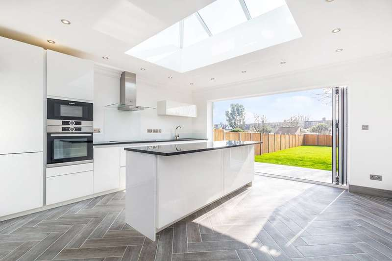 4 Bedrooms House for sale in Selkirk Road, Twickenham, TW2