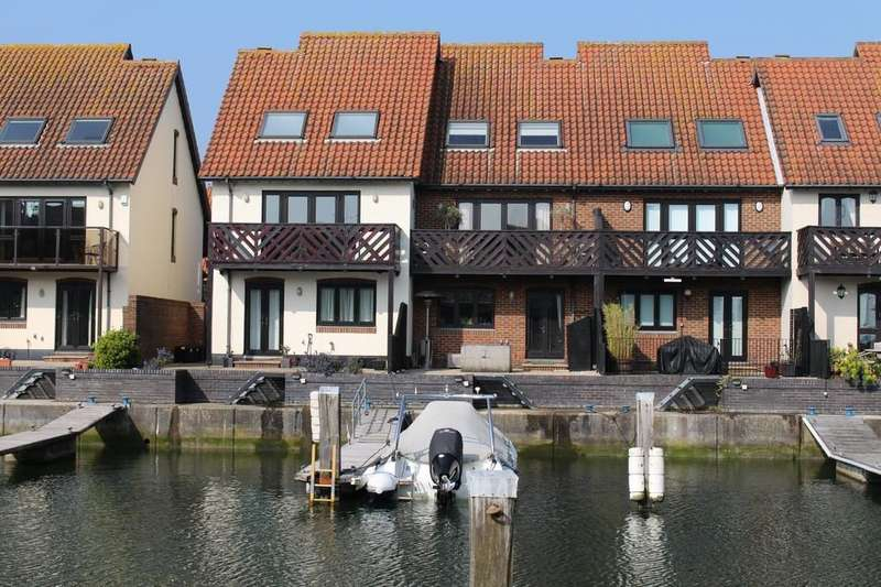 3 Bedrooms Terraced House for sale in Hythe Marina Village, Hythe