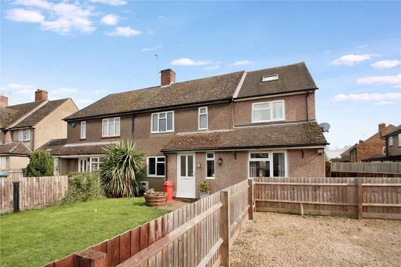 3 Bedrooms Semi Detached House for sale in Roberts Road, Haddenham, Aylesbury, HP17