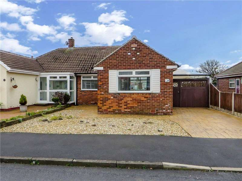 2 Bedrooms Semi Detached Bungalow for sale in Penswick Avenue, Anchorsholme, Thornton-Cleveleys
