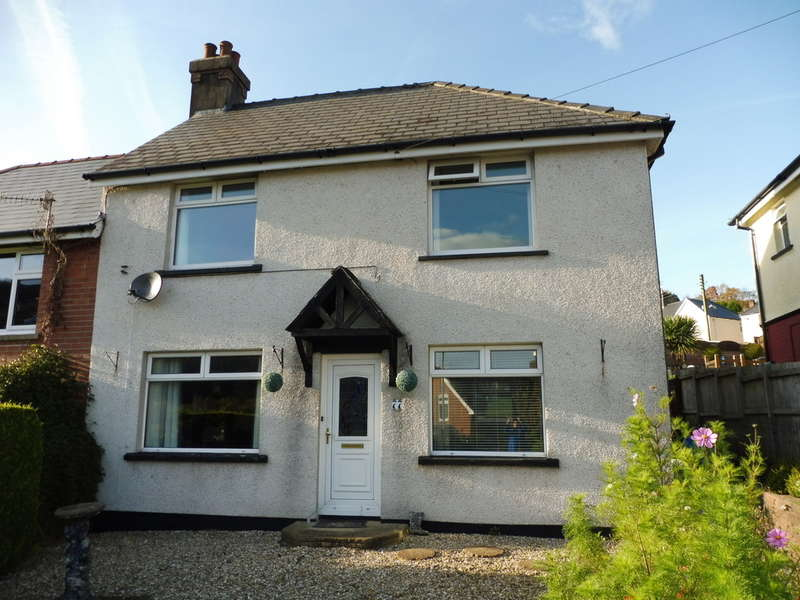 3 Bedrooms Semi Detached House for sale in Waunddu, Pontnewynydd, Pontypool
