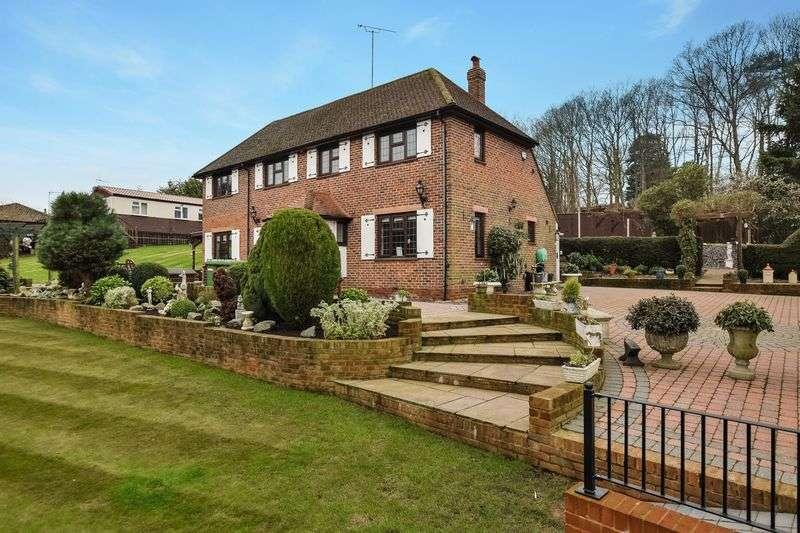 4 Bedrooms Detached House for sale in Rock Hill, Chelsfield