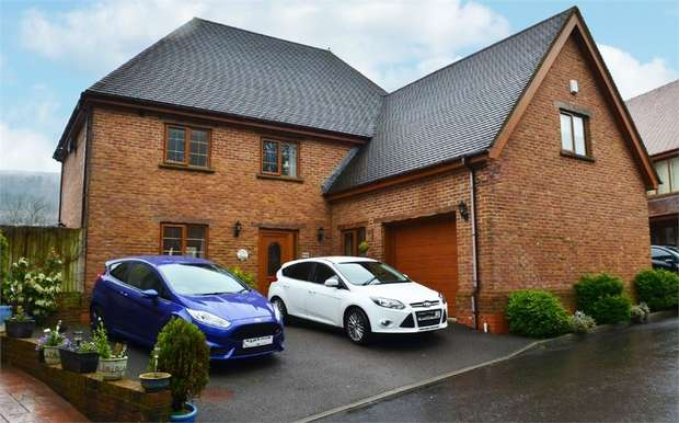 6 Bedrooms Detached House for sale in Troed-Y-Rhiw Road, Mountain Ash, Mid Glamorgan