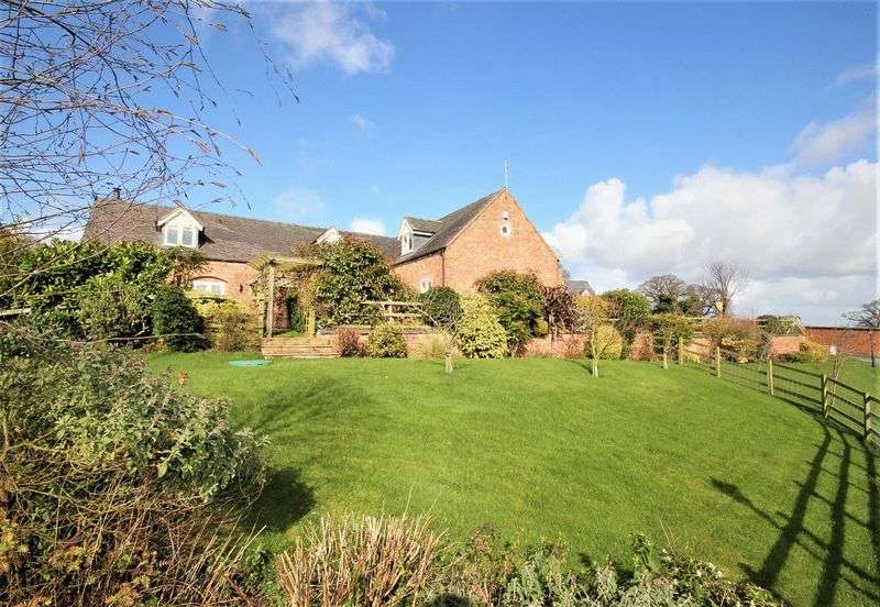 4 Bedrooms Detached House for sale in Hollins Lane, Marbury