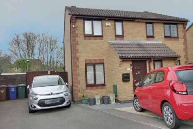 2 Bedrooms Semi Detached House for sale in Ravencroft, Bicester, Oxfordshire, OX26 6YQ