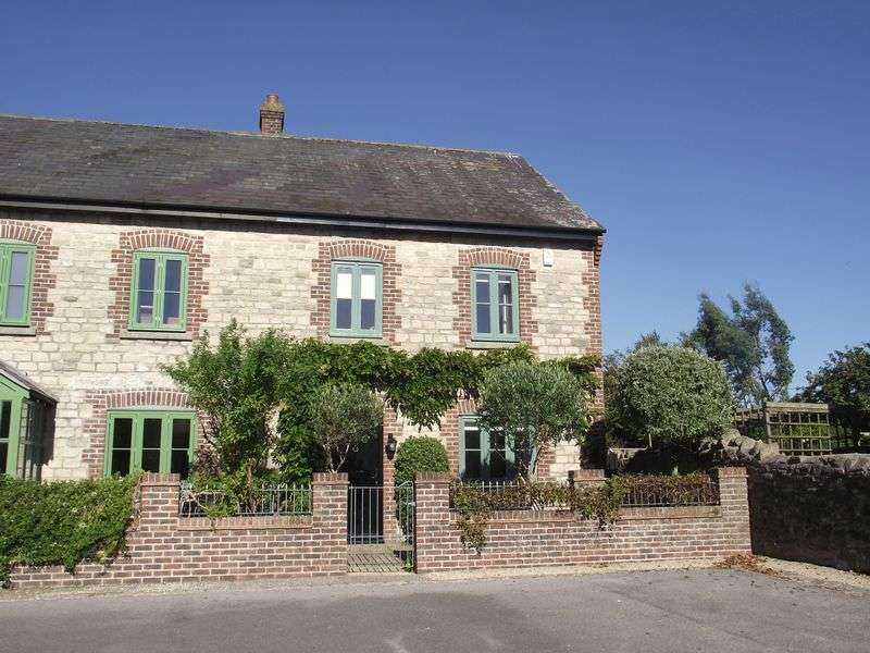 3 Bedrooms Terraced House for sale in Fordington Dairy, Dorchester