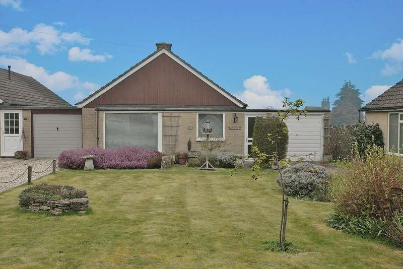 2 Bedrooms Semi Detached Bungalow for sale in 14 Perrott Close, North Leigh, Witney OX29