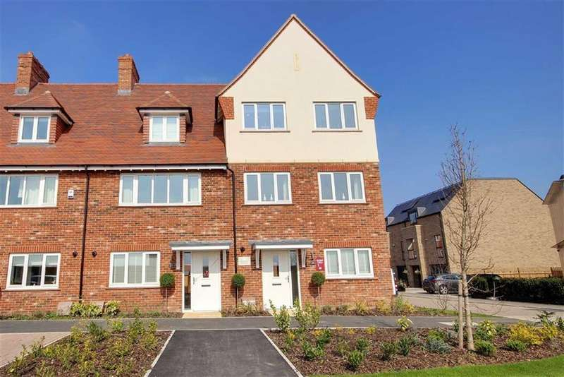 4 Bedrooms End Of Terrace House for sale in The Ridgeway, Mill Hill