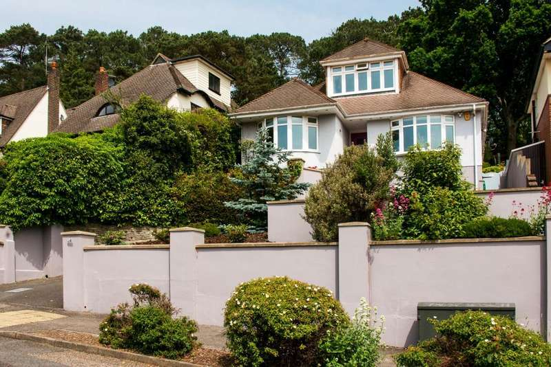 3 Bedrooms Detached House for sale in Thwaite Road, Coy Pond, Poole, Dorset, BH12