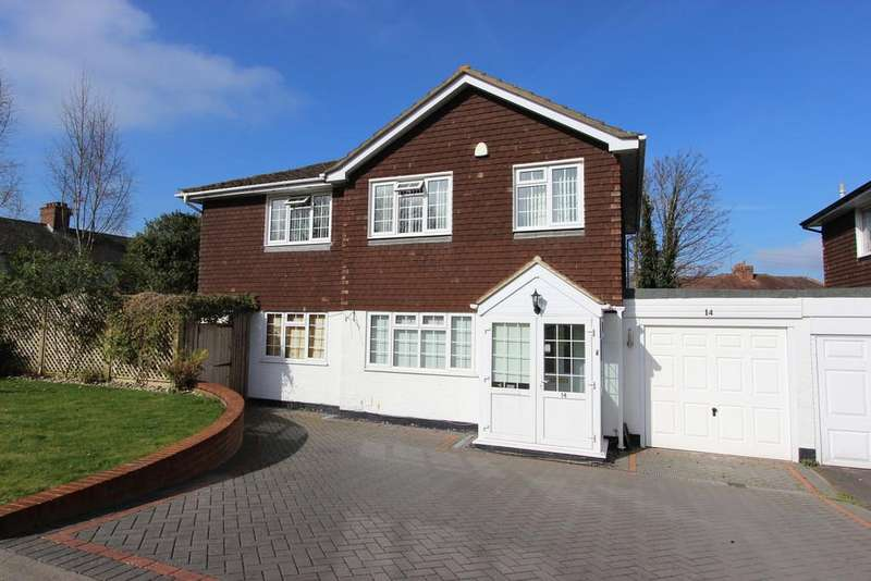 4 Bedrooms Detached House for sale in The Driftway, Banstead