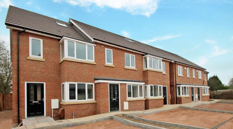 3 Bedrooms End Of Terrace House for sale in Church Close Hadrian Way, Stanwell, TW19