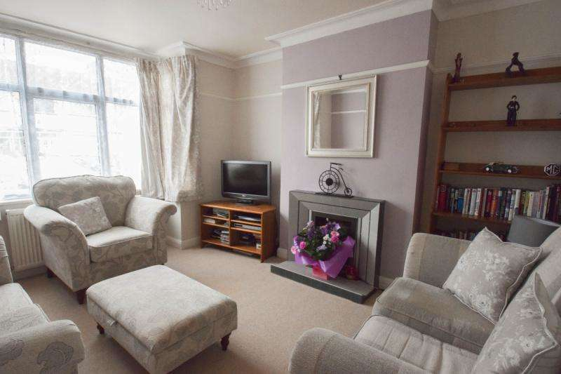 3 Bedrooms Terraced House for sale in Colwood Gardens, London, SW19