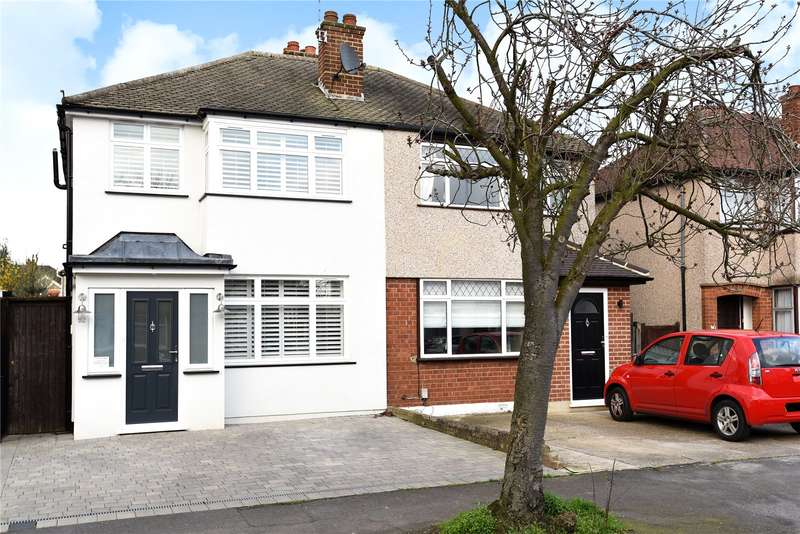 3 Bedrooms Semi Detached House for sale in Malvern Way, Croxley Green, Hertfordshire, WD3
