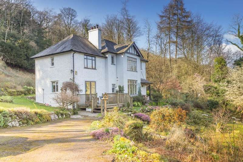 4 Bedrooms Detached House for sale in Badgers Sett, Windermere Road, Grange-over-Sands