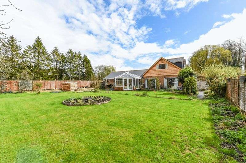 4 Bedrooms Detached House for sale in Kimbridge, Romsey, Hampshire