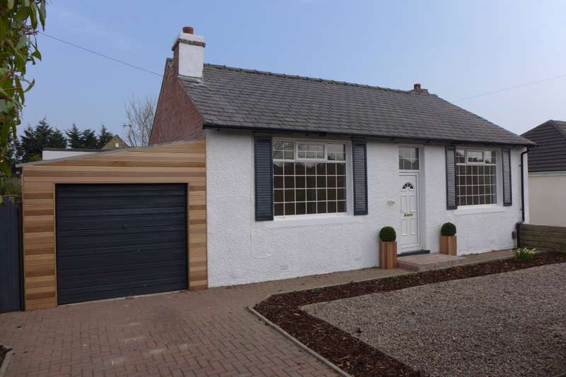 3 Bedrooms Bungalow for sale in Laund Road, Huddersfield, HD3