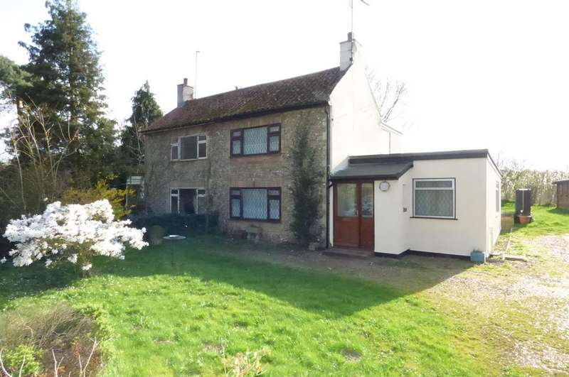2 Bedrooms Semi Detached House for sale in Brandon Road, Methwold, Thetford