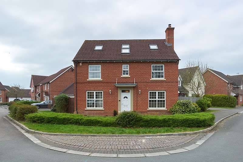 5 Bedrooms Detached House for sale in Wynwards Road, Swindon, Wiltshire, SN25